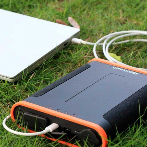 SLE48 Powerbank met hoge capaciteit van 48000 mah voor MacBook en PC